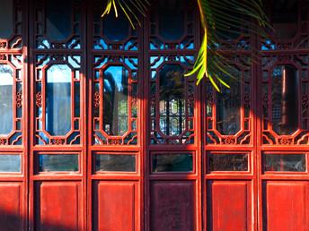 北京实木复合门有什么样的特点?实木复合门的优点是什么?