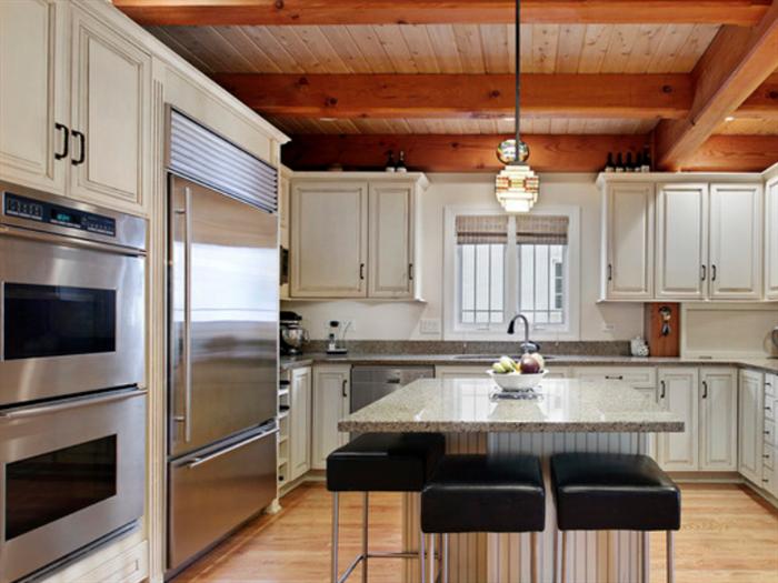厨房吊柜多少钱一米?厨房吊柜材质种类有哪些?