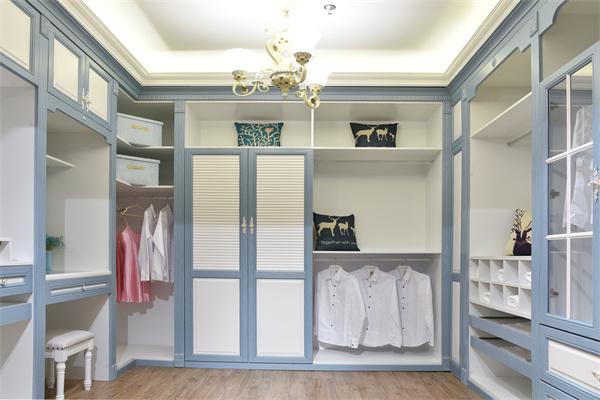 整体衣柜如何选?KD衣柜帮助您