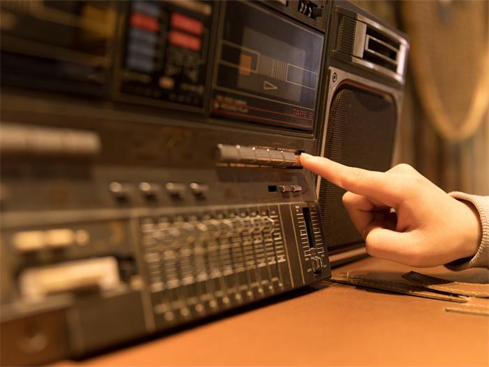 矿石收音机的原理是什么?矿石收音机有哪些优点?