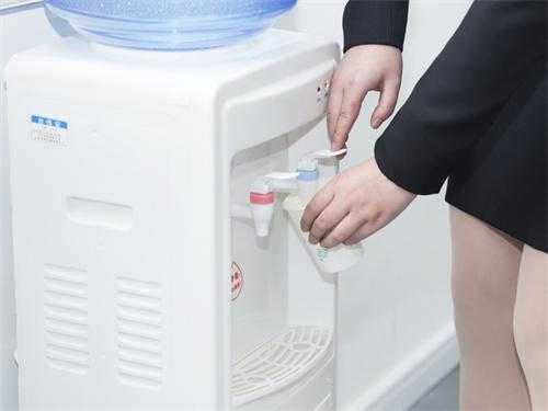 哪种净水器比较好?净水器的购买方法是什么?