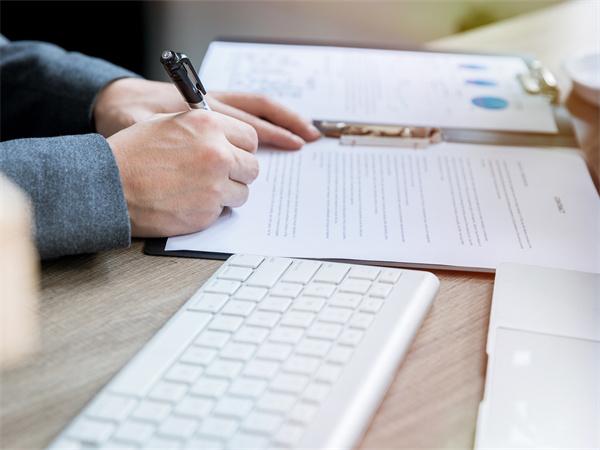 家庭装修合同书内容包括哪些?签订装修合同书注意事项