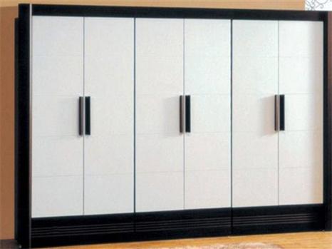 房子装修时,如何正确地选择衣柜的尺寸呢?