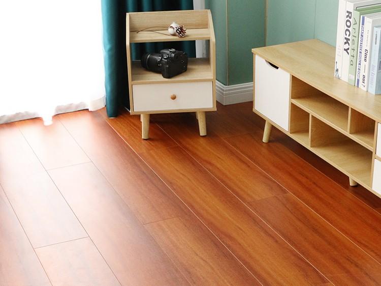 飘窗铺地板选择木地板还是什么如何保养