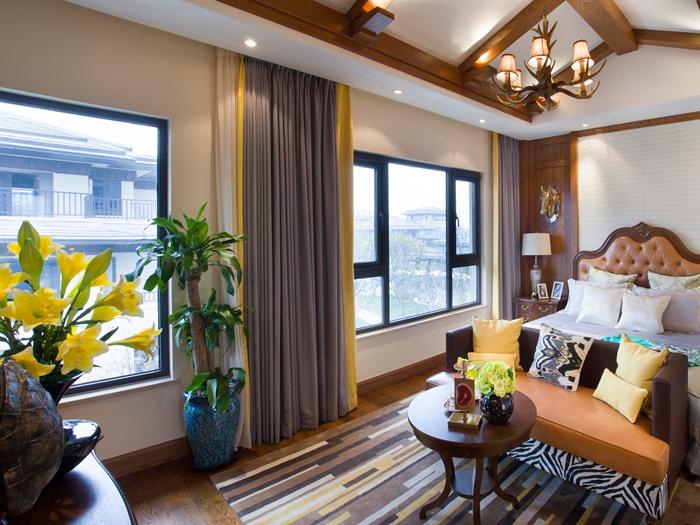 客厅阳台窗帘怎么设计?客厅窗帘的颜色怎么选?