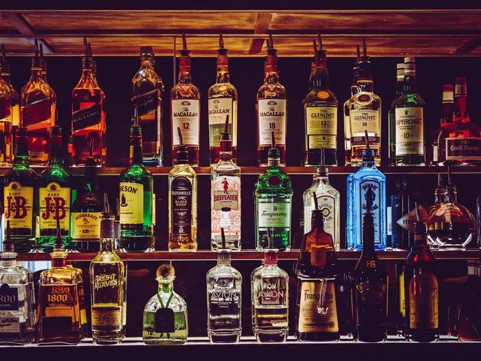 酒柜展示柜家用尺寸是多少?家用酒柜样式有哪些?