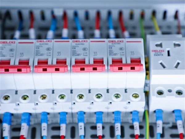 配电箱标准是什么?配电箱使用的注意事项有哪些?