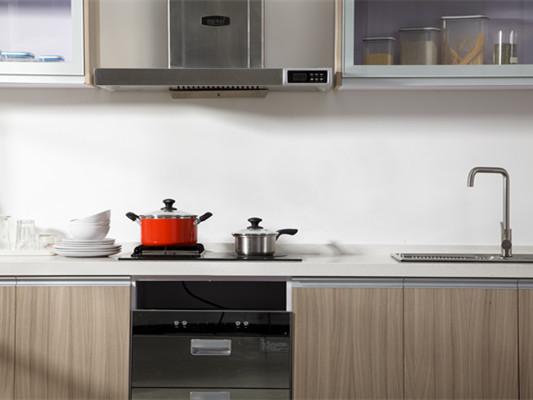 饭店厨房抽油烟机该怎么清洗?油烟机的选购技巧有哪些?