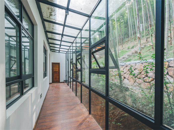 阳台装饰风格有哪几种?阳台装饰的注意事项有哪些?