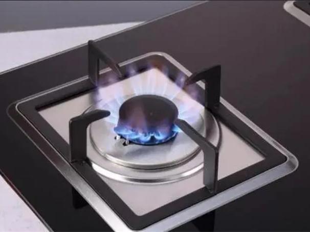 如果燃气灶打不着火,千万别做这件事