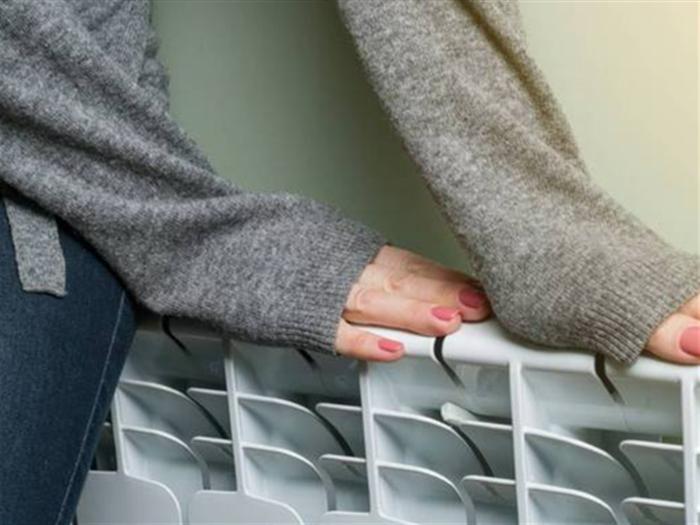 暖气片价格贵吗?暖气片和地暖哪个更省钱?