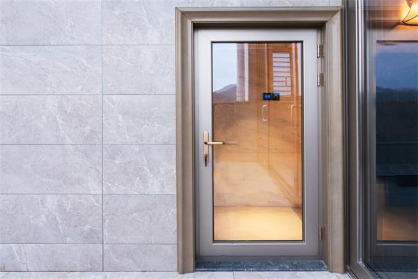 如何选购防盗门?百安居装修建议您选棒棒防盗门