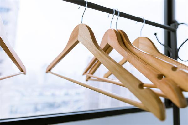 选择最佳晾衣杆才能增加生活幸福感,晾衣架价格大概是多少?