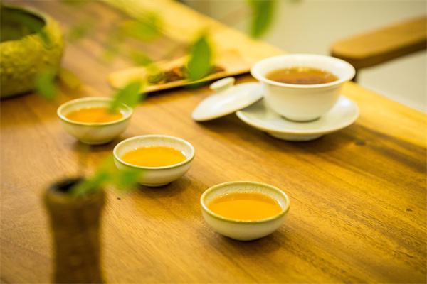 根雕茶桌什么木质的比较好?这样选才能入手不亏