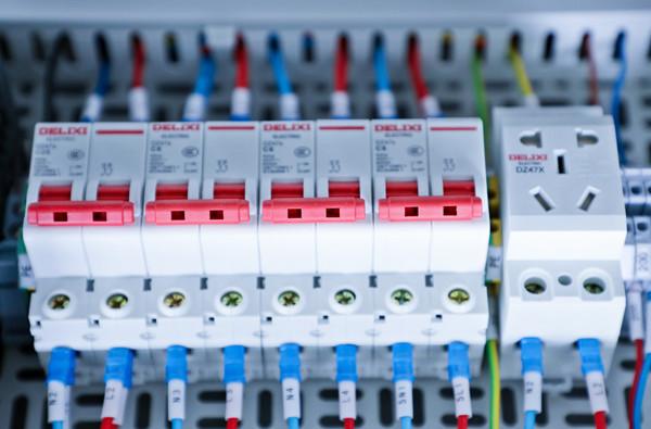 漏电断路器跳闸原因,漏电断路器4种排查故障方法