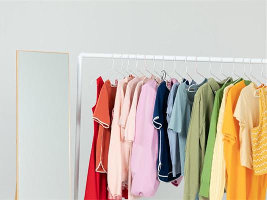 室内伸缩晾衣架怎么安装?室内伸缩晾衣架怎么选购?