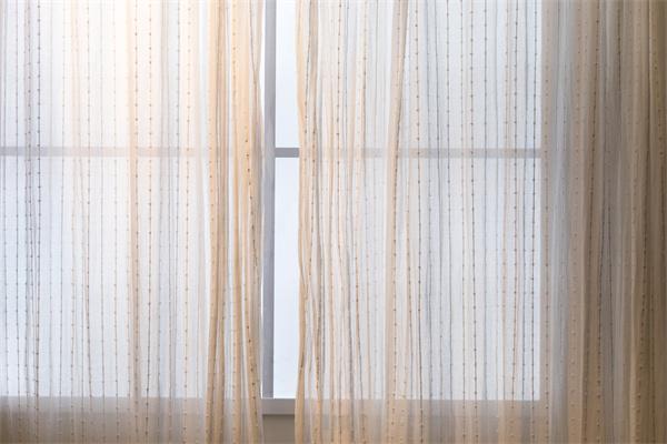 门窗装金刚网纱窗,还是配不锈钢纱窗!两者该怎么选?