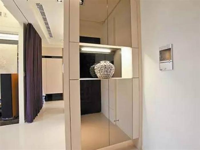 卧室门对镜子好不好?卧室门对镜子怎么化解?