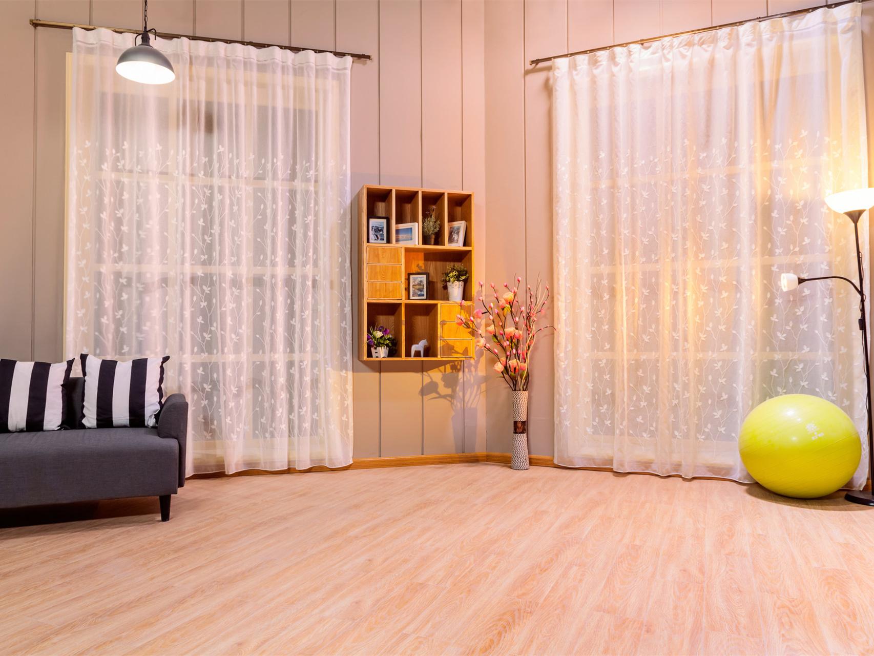 建材选购:防腐木地板的种类和作用是什么