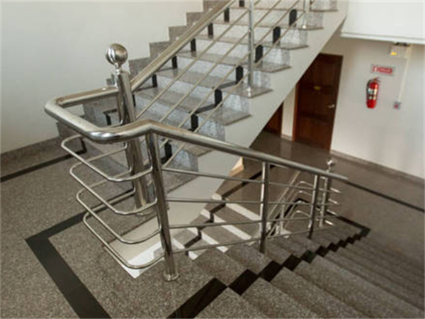 如何安装白钢楼梯扶手?如何选购楼梯扶手?