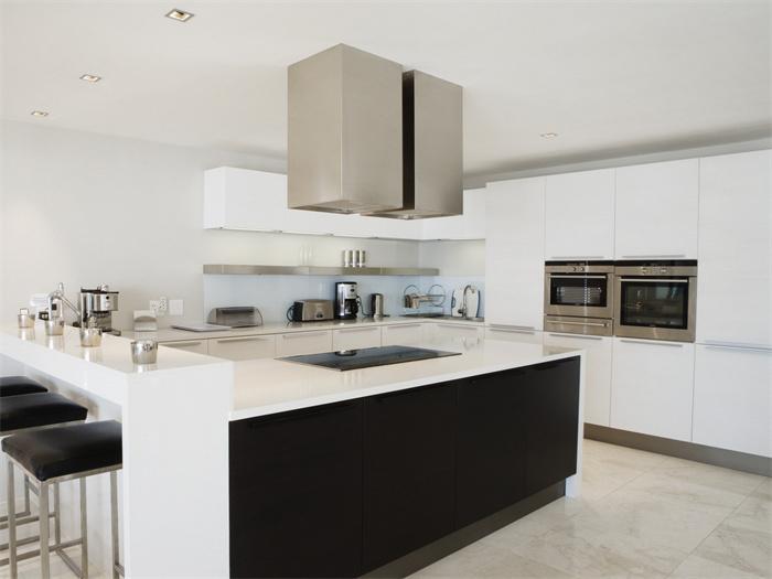 厨房面板材料种类有哪些?厨房面板材料有哪些优缺点?