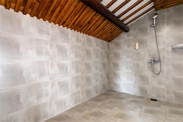 卫生间瓷砖贴法注意事项有哪些 如何搭配瓷砖颜色