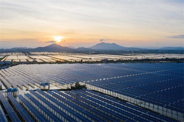太阳能坏了怎么办?太阳能维修及安装方法教给您