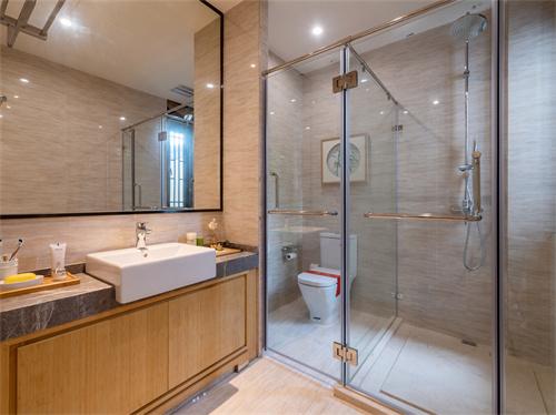 如何将淋浴房隔断实现卫生间干湿分离的效果?
