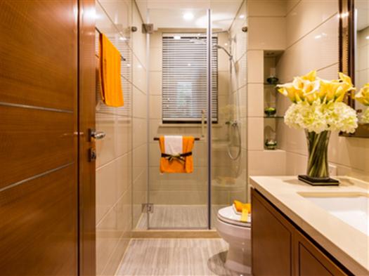 卫生间玻璃隔断好吗?怎么安装与保养?
