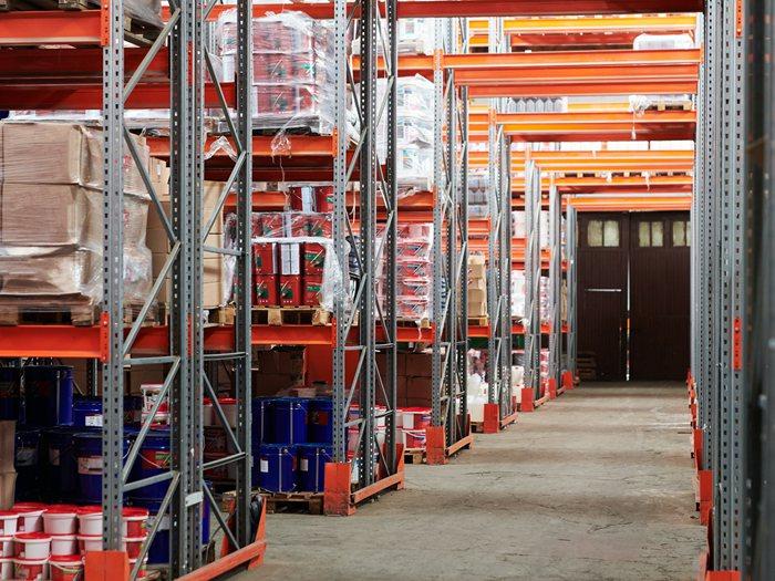 多层阁楼货架有哪些作用?阁楼货架的选购事项有哪些?