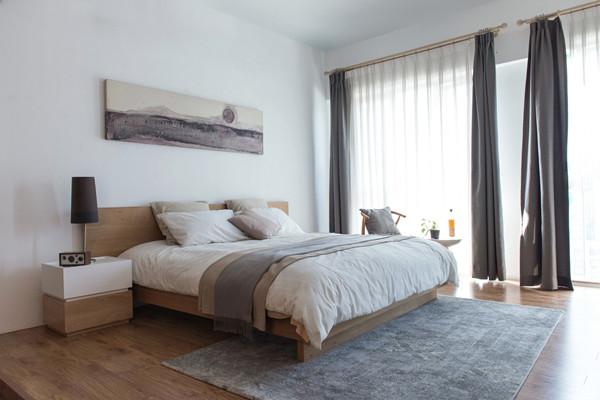 3款最受欢迎的罗马杆窗帘效果图         罗马杆和窗帘颜色如何搭配