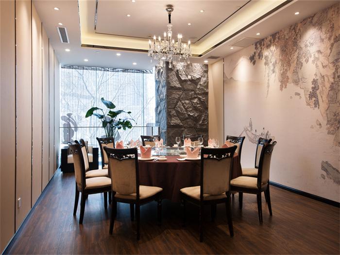 餐厅吊灯多少瓦合适?餐厅吊灯怎么选择?